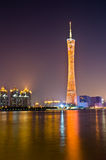 Guangzhou-Kontrollturm nachts Lizenzfreie Stockfotos