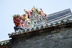 Guangzhou, les attractions touristiques célèbres de la Chine, hall héréditaire de Chen sur le toit, le lion a formé Art Deco Images stock