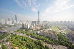 Guangzhou pärlemorfärg flod, CantonTVtorn Royaltyfri Fotografi