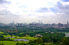 Guangzhou sikt från baiyunberget royaltyfri foto