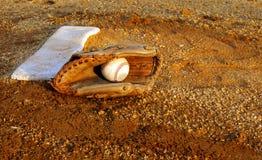 Guante de béisbol imágenes de archivo libres de regalías