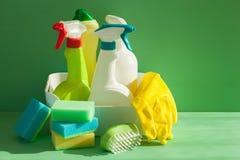 Guante de la esponja del cepillo del espray del hogar de los artículos de la limpieza Fotos de archivo