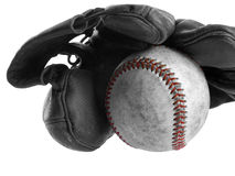 Guante y bola de béisbol foto de archivo
