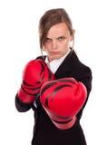 Guantes de boxeo de la empresaria que llevan joven listos para el competit imagen de archivo libre de regalías