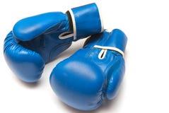 Guantes de boxeo en un fondo blanco Imagen de archivo libre de regalías