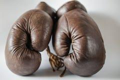 Guantes de boxeo pasados de moda Imágenes de archivo libres de regalías