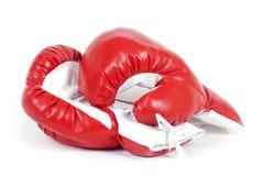 Guantes de cuero del boxeo rojo. Foto de archivo libre de regalías