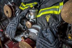 Guantes de lucha contra el fuego Fotografía de archivo libre de regalías