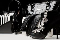 Guantes femeninos de moda de los accesorios, bolsos, zapatos, de tacón alto Fotografía de archivo libre de regalías