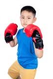Guantoni da pugile d'uso del ragazzo cinese asiatico Fotografia Stock Libera da Diritti