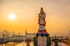 Guanyin Buddhastaty Royaltyfria Bilder
