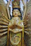 Guanyin esquintent le temple de Chinois de handsin de thuousand images libres de droits