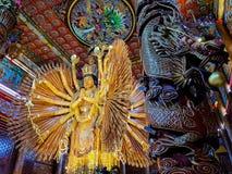 Guanyinhoutsnijwerk stock foto's