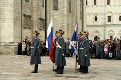 guard kremlin moscow Royaltyfria Bilder