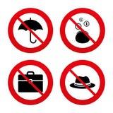 Guarda-chuva, carteira e chapéu com caso Imagens de Stock