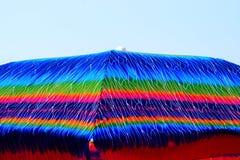 Guarda-chuva com a fotografia conservada em estoque das texturas coloridas Fotografia de Stock