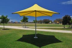 Guarda-chuva da máscara de Sun fotografia de stock