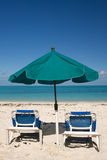 Guarda-chuva de praia tropical Fotos de Stock
