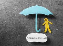 Guarda-chuva disponível do ato do cuidado fotos de stock royalty free
