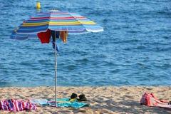 Guarda-chuva na praia Imagens de Stock Royalty Free