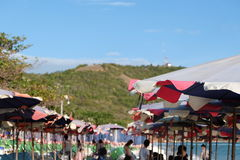 Guarda-chuva na praia Imagens de Stock