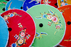 Guarda-chuvas tailandeses do estilo Imagens de Stock Royalty Free