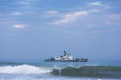 Guarda costeira peruana na frente da praia de Mancora, Peru Fotos de Stock Royalty Free