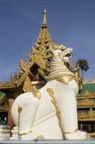 Guarda de Shwedagon Imágenes de archivo libres de regalías