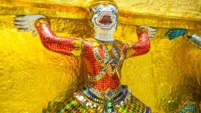 Guarda en Wat Phra Kaew, el templo del demonio de Emerald Buddha en Bangkok, Tailandia fotografía de archivo libre de regalías