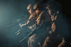 Guarda florestal do exército em uniformes do campo Imagens de Stock
