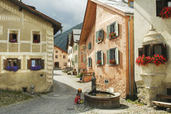 Guarda, vila típica em Engadine Foto de Stock