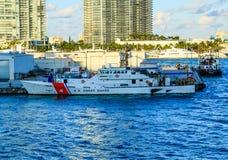 Guardacostas Ship en Biscayne Bay-2 Foto de archivo libre de regalías