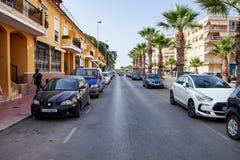 Guardamar del Segura, Spanje - Juni 26, 2016: Straat in Valencia Meningen van de stad Royalty-vrije Stock Foto's