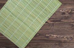 guardanapo de bambu no fundo de madeira Fotografia de Stock