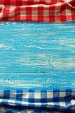 Guardanapo de pano na madeira Foto de Stock Royalty Free
