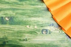 Guardanapo no canto direito superior no quadro verde com sp Imagens de Stock Royalty Free