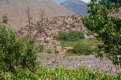 Guardando attraverso gli alberi a Imlil nel Marocco Immagine Stock Libera da Diritti