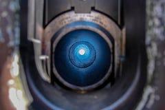 Guardando attraverso un barilotto dell'obice fotografia stock