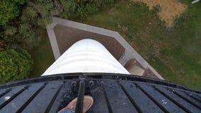 Guardando giù da un faro fotografia stock libera da diritti