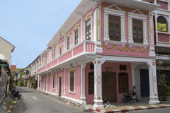 Guardando giù Soi Rommanee, città di Phuket (città) Fotografie Stock