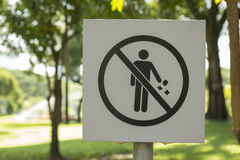 Guarde el parque limpio imagen de archivo