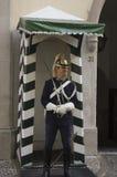Guarde o sorriso na frente do protetor republicano nacional em Lisboa Foto de Stock Royalty Free