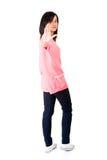 Guarde sobre, gesto da parada mostrado pela jovem mulher Imagens de Stock