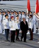 guardheder som kontrollerar nathan ndppresident Royaltyfria Bilder