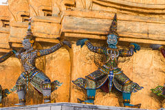Guardião gigante no templo de Wat Phra Kaew Foto de Stock