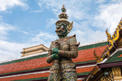 Guardião gigante verde no templo de Wat Phra Kaew Fotos de Stock Royalty Free