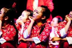 Guardi in avanti a--Ballo di Uigurian Fotografia Stock Libera da Diritti