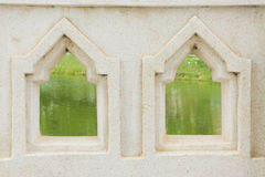 Guardi con le vecchie finestre Fotografia Stock Libera da Diritti
