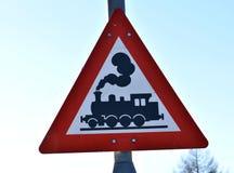 Guardi fuori per il treno! Insegna Immagini Stock Libere da Diritti