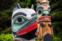 Guardia del totem al villaggio di Saxman vicino a Ketchikan fotografia stock libera da diritti